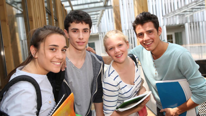 Cursos de verano de español para jóvenes
